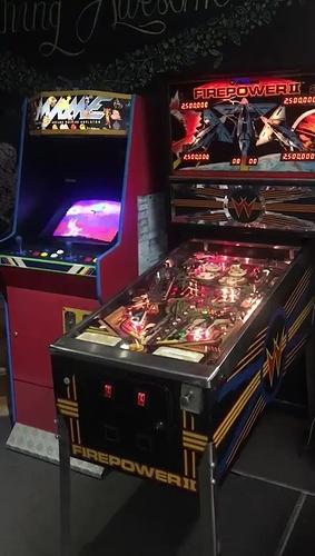 video-arcademachines_Moment(3)